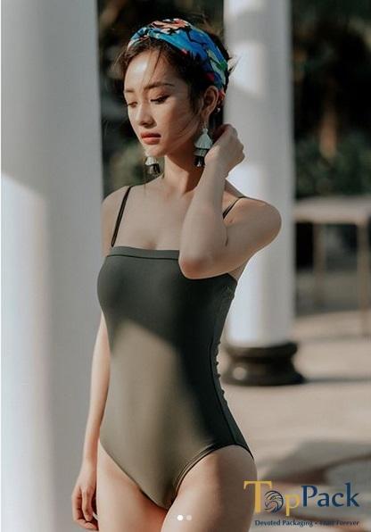 Jun Vũ quyến rũ diện đồ bơi